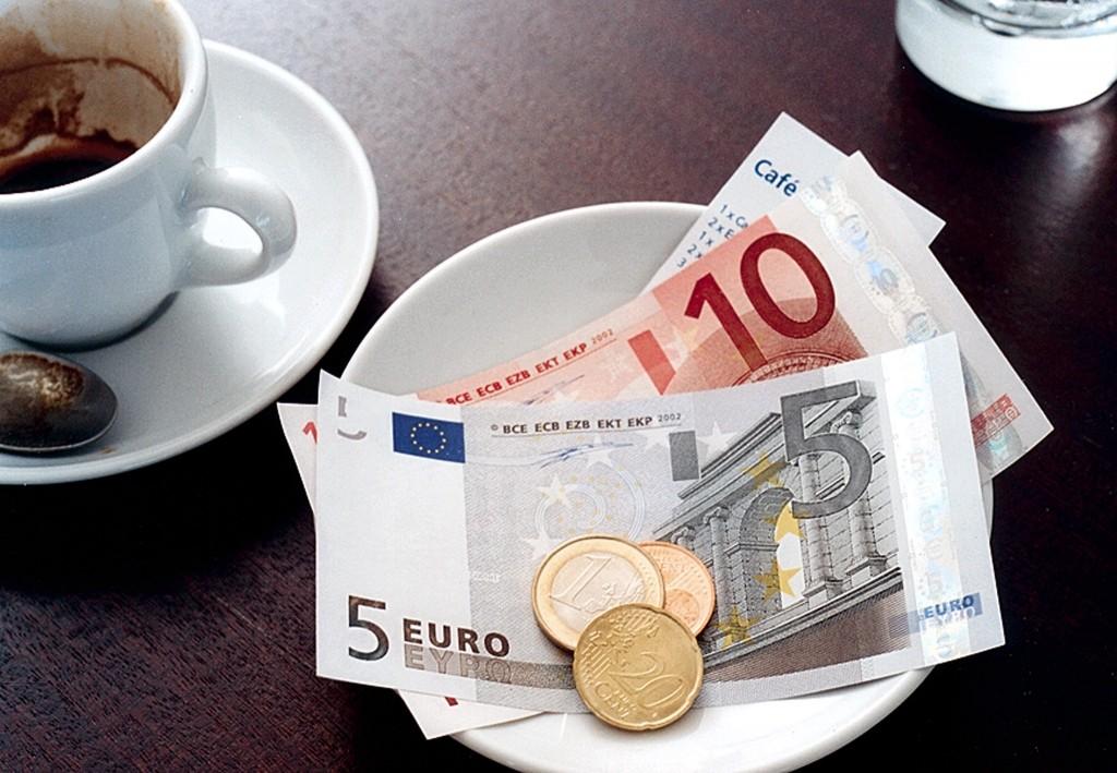 Чаевые в Греции