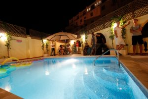 Терраса - бассейн на Мальте