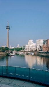 Башня в Дюссельдорфе